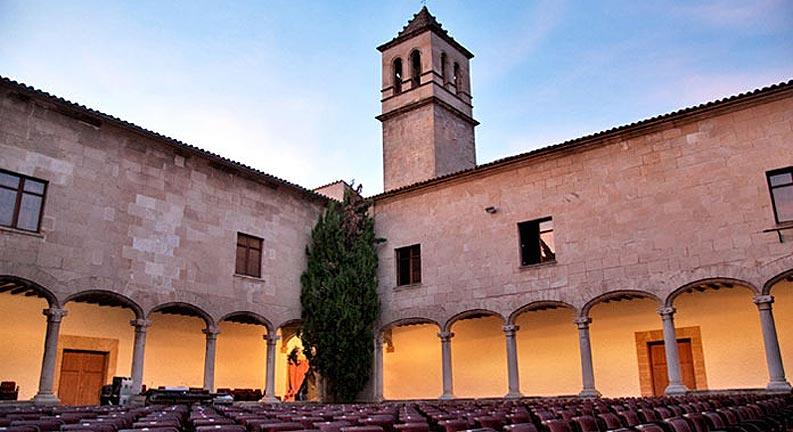 claustre-convent-sant-domingo